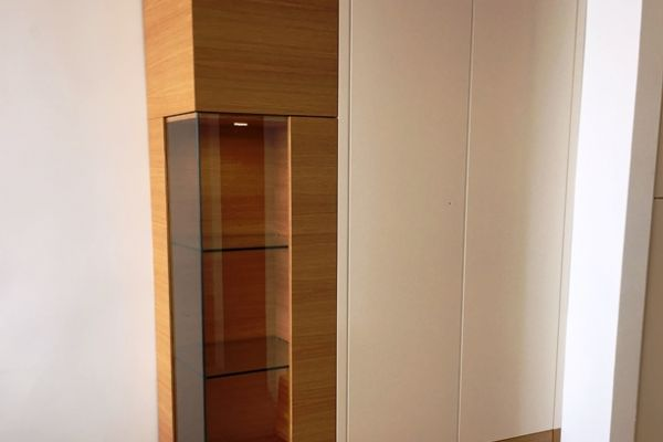tischlerei-teneriffa-vitrine11A73416F-11AB-3137-B9B1-9C25E6667912.jpg